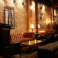 Hollywood's Next Door Lounge